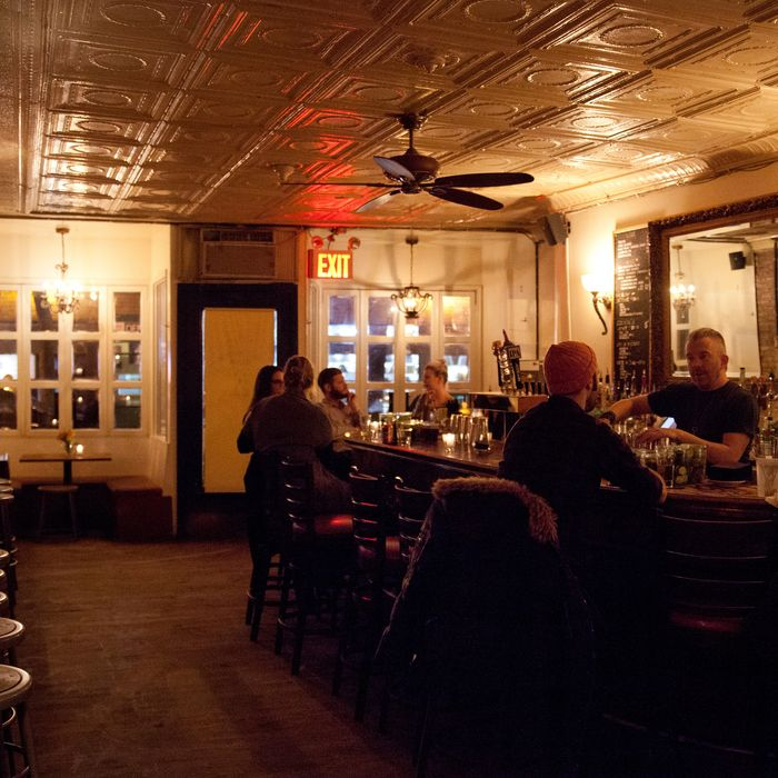 Inside Mother's Ruin, Nolita's neo-dive.