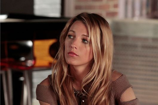 "Gossip Girl ""The Fugitives"" Pictured: Blake Lively as Serena Van Der Woodsen."