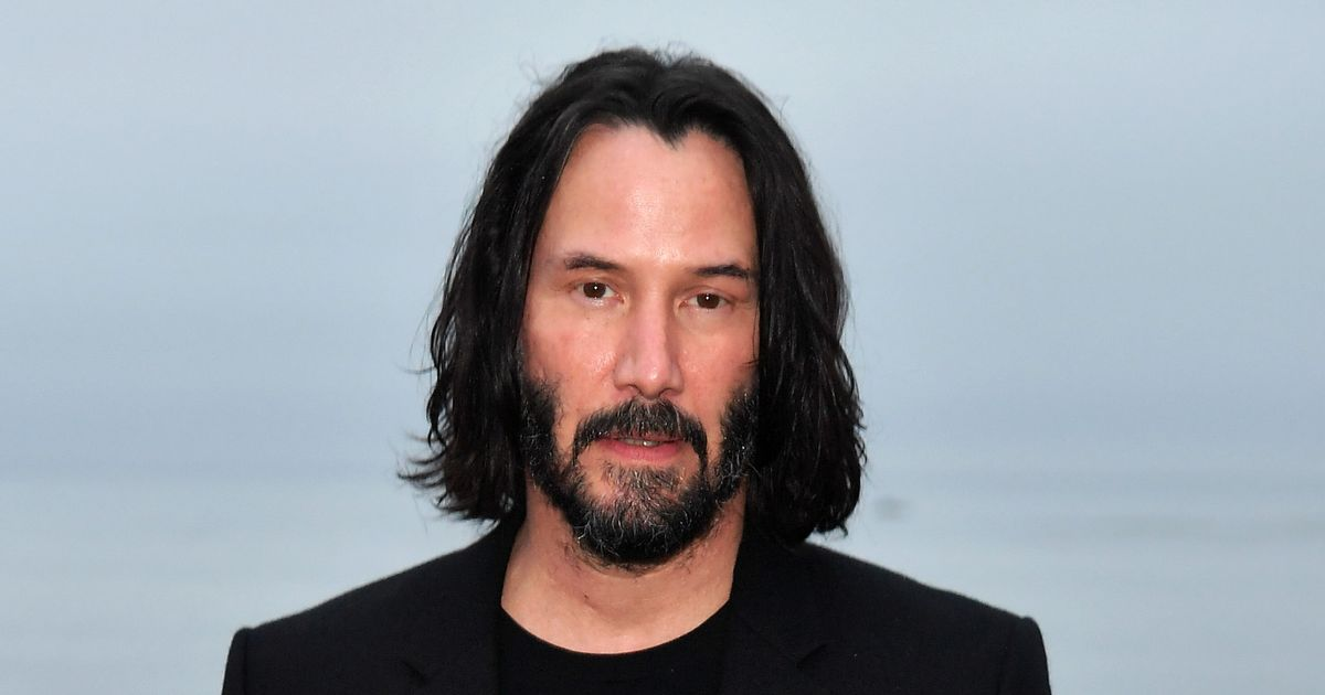 Keanu Reeves Leaves Note On 'You're Breathtaking' Sign