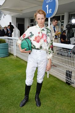 CHICHESTER, ENGLAND - JULY 31:  Edie Campbell attends Glorious Goodwood Ladies Day at Goodwood on July 31, 2014 in Chichester, England.  (Photo by David M. Benett/Getty Images for Goodwood)