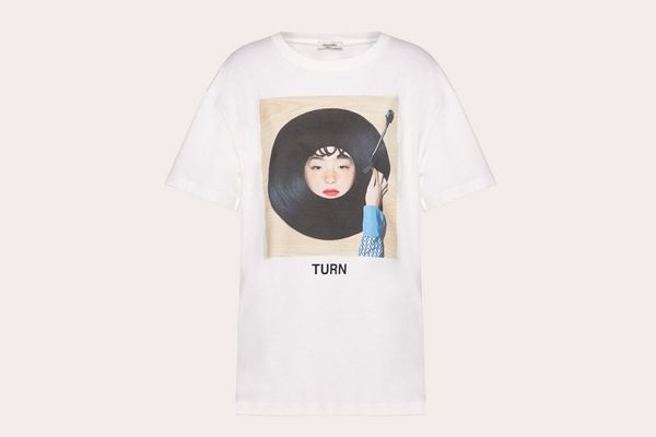 T-shirt With Izumi Miyazaki Print in Black