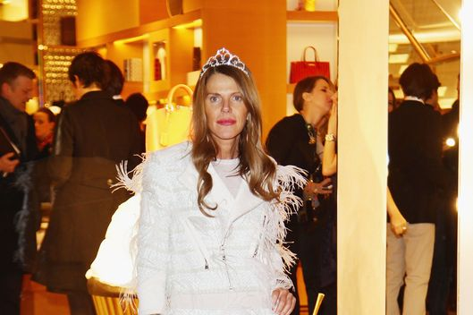 ROME, ITALY - JANUARY 27:  Anna Dello Russo attends the Maison Louis Vuitton Roma Etoile Cocktail red carpet on January 27, 2012 in Rome, Italy.  (Photo by Vittorio Zunino Celotto/Getty Images)