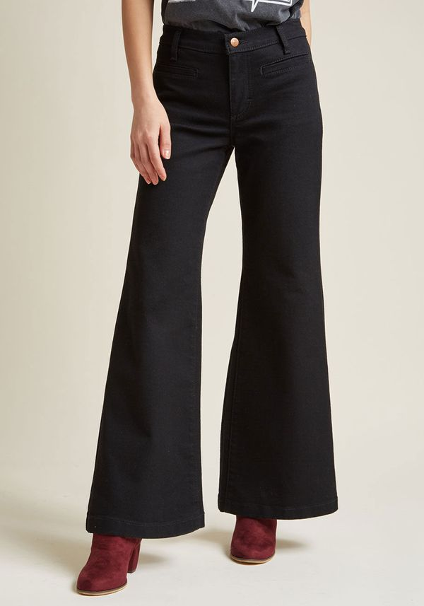 Wrangler Wide-Leg Whim Jeans in Black