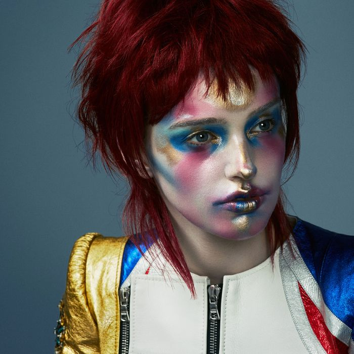 One wild beauty-inspired Bowie look.