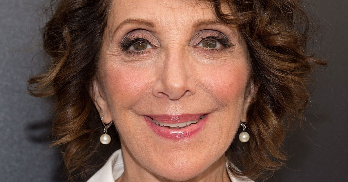 Oscars Dates Set Through 2018 likewise Andrea Martin To Play Prudy In Hairspray Live furthermore Pink Garden Flowers Pictures furthermore 20 In The Vfx Oscar Race further 43201. on oscar nominations live