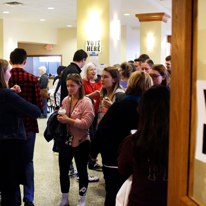 Iowa GOP Advances Plan to Disenfranchise College Students
