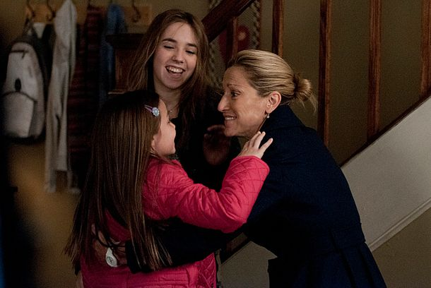 Mackenzie Aladjem  as Fiona Peyton, Ruby Jerins as Grace Peyton and Edie Falcon as Jackie Peyton in Nurse Jackie (Season 5, Episode 2). - Photo:  Ken Regan/SHOWTIME - Photo ID:  nursejackie_502_