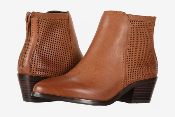 Boots and Chelsea Boots for Wide Feet