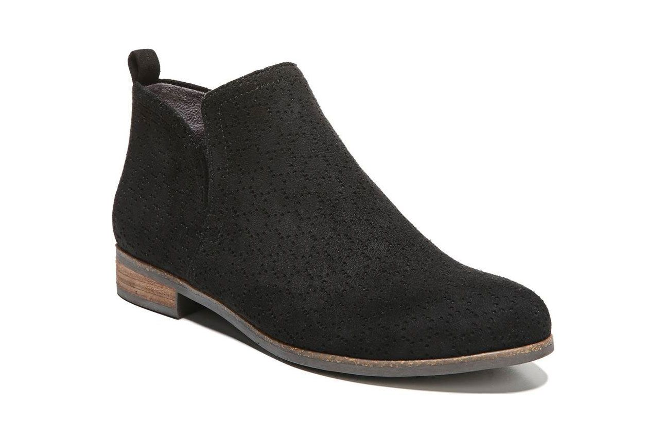 bbd1d932614 11 Best Women s Boots and Chelsea Boots for Wide Feet 2018