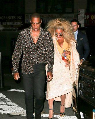 b84cc45bc1e7 Jay Z and Beyoncé at her 35th birthday party. Photo  Felipe Ramales    Splash News