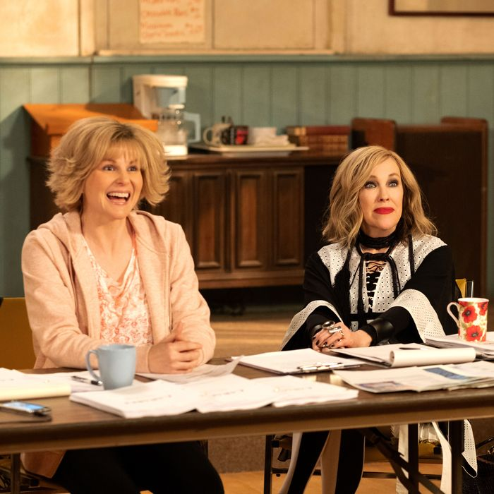 Schitt's Creek Recap, Season 5, Episode 8: 'The Hospies'