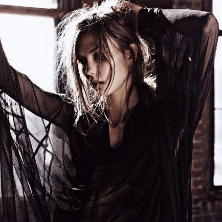 Karlie Kloss for 'Vogue' Nippon.