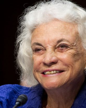 Sandra Day Oconnor Drops By Supreme Court To Perform Same Sex Wedding