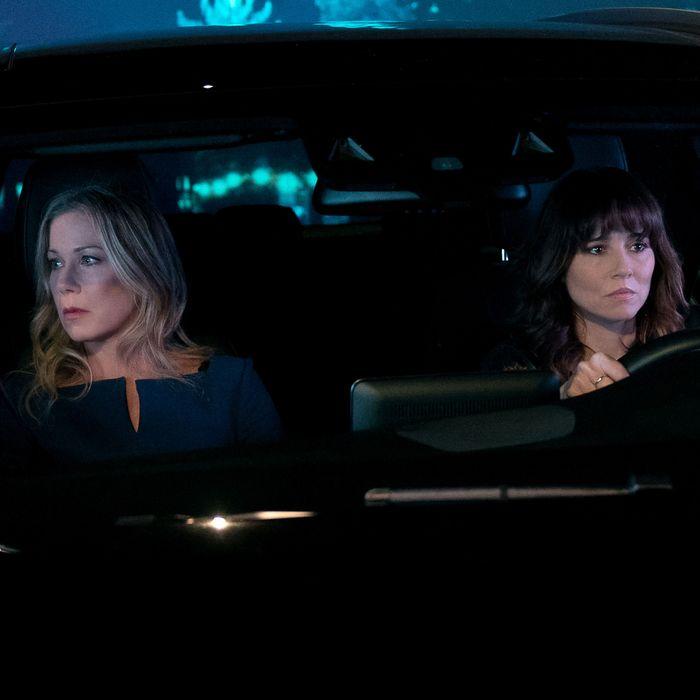 Dead To Me Recap Season 1 Episode 4 I Can T Go Back