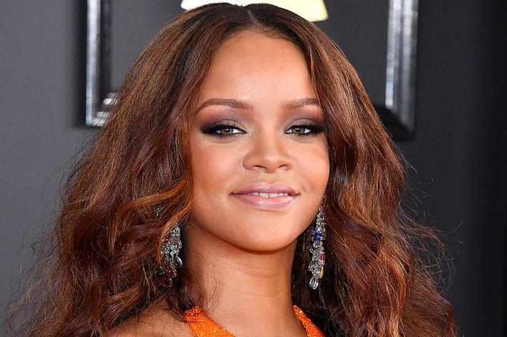 Rihanna Hairstyles: Fenty Beauty By Rihanna Arriving At Sephora This Fall