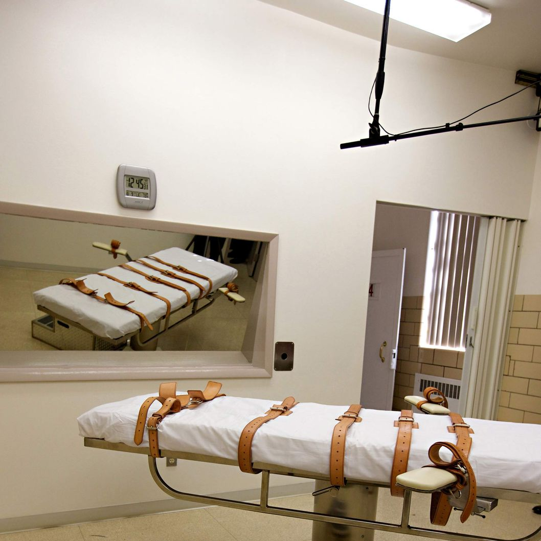 The lethal injection chamber of the South Dakota State Penitentiary is seen on Tuesday, Oct. 9, 2012. The state is preparing the upcoming executions of two inmates; Eric Robert and Donald Moeller, convicted of separate crimes that occurred more than two decades apart. The men are expected to be executed on as-of-yet unannounced dates yet this month or early next month. (AP Photo/Amber Hunt)