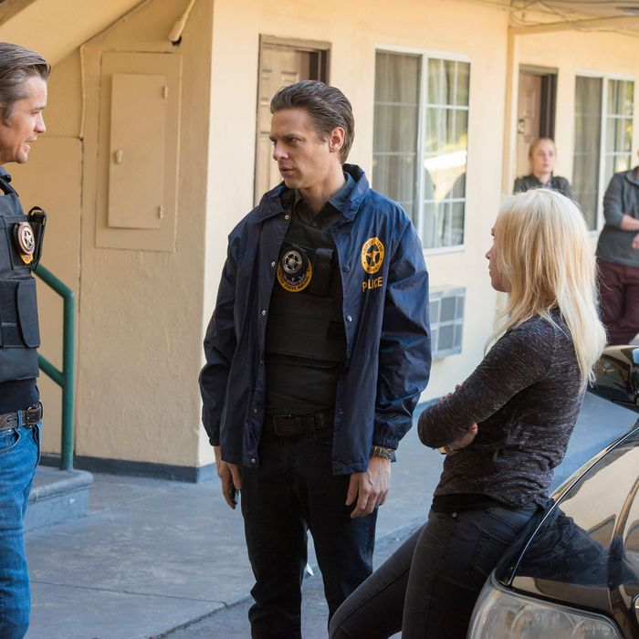 JUSTIFIED -- Raw Deal -- Episode 507 (Airs Tuesday, February 25, 10:00 pm e/p) -- Pictured: (L-R) Timothy Olyphant as Deputy U.S. Marshal Raylan Givens, Jacob Pitts as Deputy Marshal Tim Gutterson, Adrienne Frantz as Candace -- CR: Prashant Gupta/FX