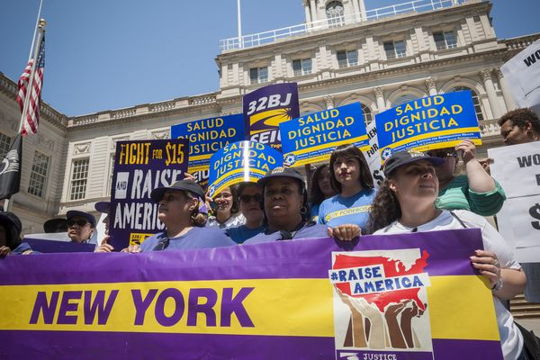 NY Wage Board Officially Recommends $15 an Hour Pay Rate for Fast-Food Workers