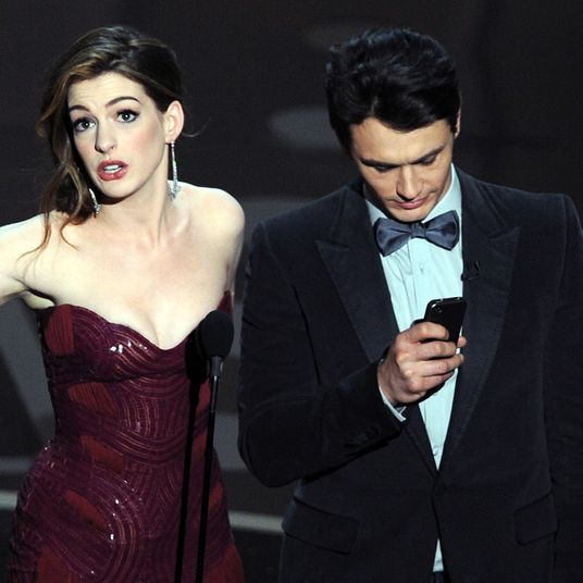 Anne Hathaway James Franco: Grammys 2019: J.Lo's Motown Tribute Receives Backlash