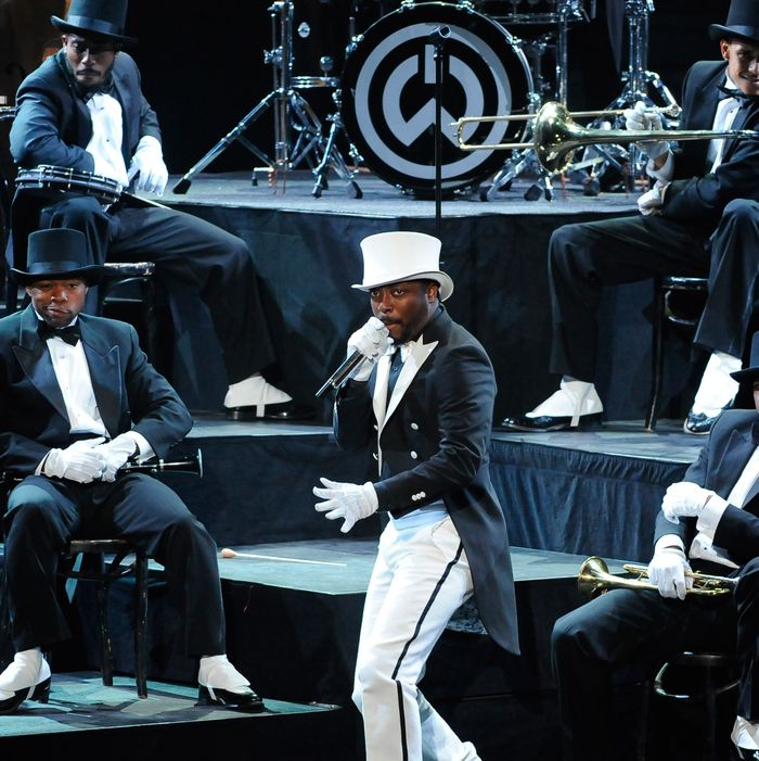 AMERICAN IDOL: Music Superstar will.i.am performs on AMERICAN IDOL