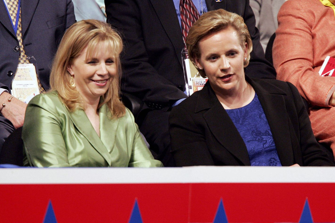 NEW YORK, United States:  Elizabeth(L) and Mary Cheney, daughters of Vice President Dick Cheney attend the Republican National Convention at Madison Square Garden in New York City 01 September, 2004. Convention delegates formally nominated President George W. Bush for another four-year term 31 August and he will accept the party's nomination during a prime-time televised speech 02 September.