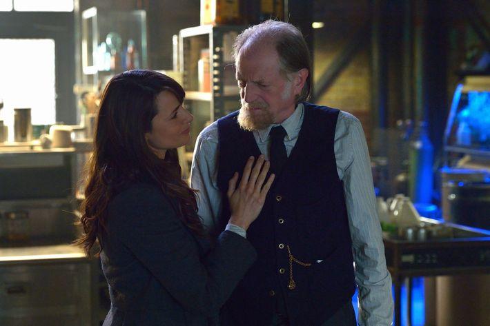 "THE STRAIN -- ""Night Train"" -- Episode 213 (Airs October 4, 10:00 pm e/p) Pictured: (l-r) Mia Maestro as Nora Martinez, David Bradley as Abraham Setrakian.CR: Michael Gibson/FX"