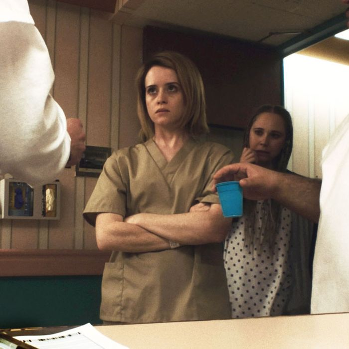 Four Unsane Scenes That Prove The Queen Can Do Horror
