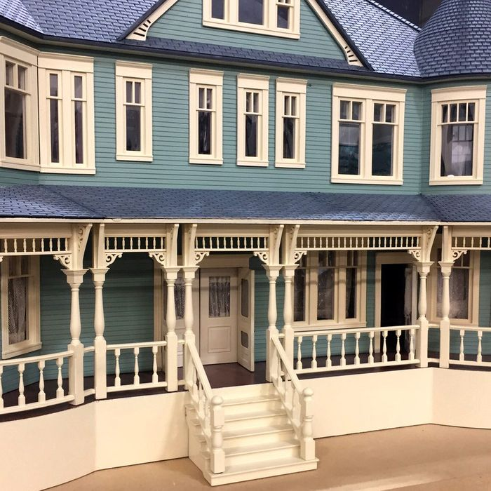 How Sharp Objects Built Amma S Creepy Dollhouse