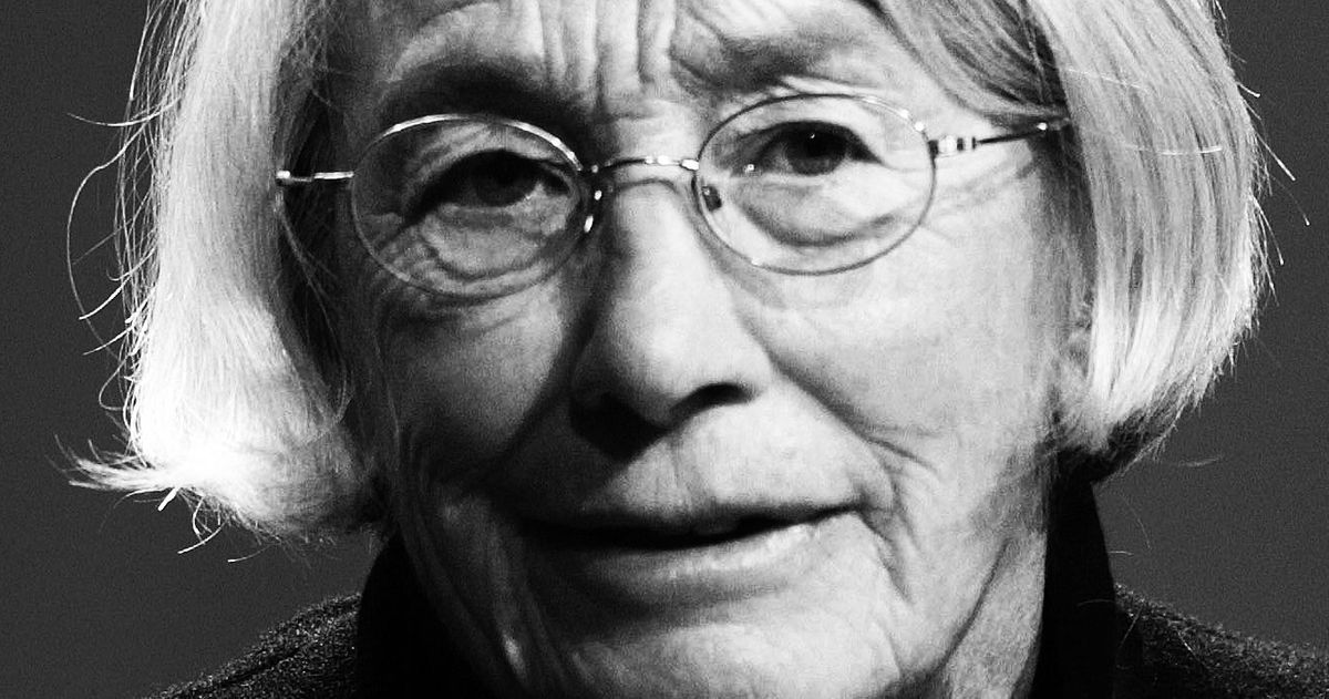 Mary Oliver's Poetry Found a Second Life As a Meme