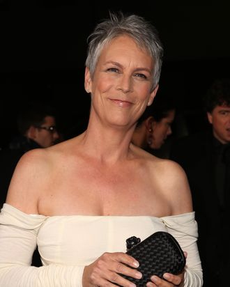 BEVERLY HILLS, CA - NOVEMBER 20: Actress Jamie Lee Curtis arrives at the premiere of Fox Searchlight Pictures'