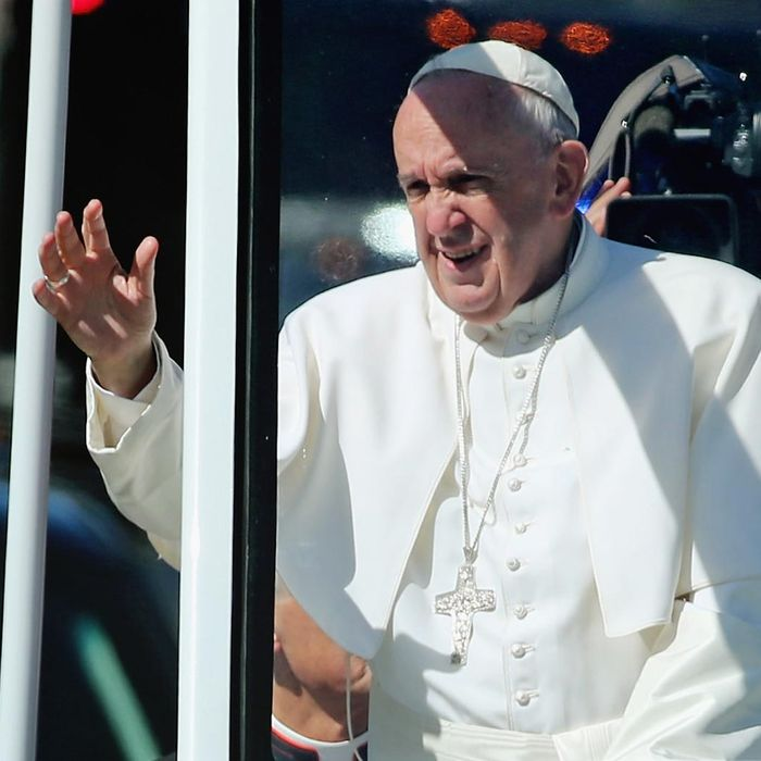 Pope Francis Drives Parade Route Around D.C.'s National Mall