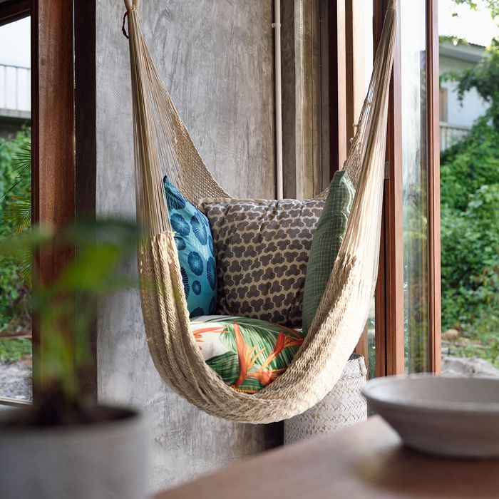 The Best Hammock Chairs On Amazon, According To Hyperenthusiastic Reviewers