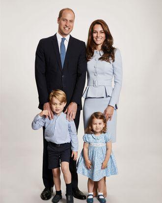 kate middleton prince william christmas family portrait