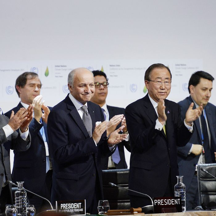 FRANCE-ENVIRONMENT-CLIMATE-COP21-WARMING