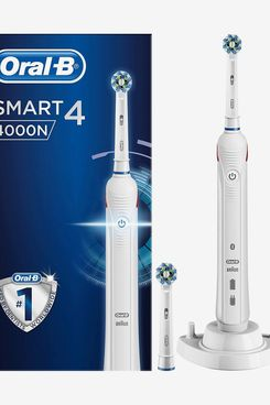 Oral-B Smart 4 4000N CrossAction Electric Toothbrush
