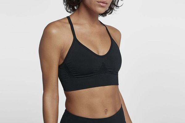 Nike Seamless Women's Light Support Sports Bra