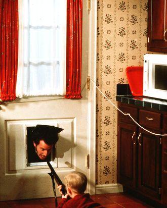 HOME ALONE - Pers: STERN, DANIEL / CULKIN, MACAULAY - Year: 1990 - Dir: COLUMBUS, CHRIS