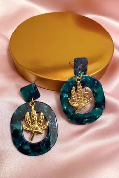 Lit & Luxury Green Queen Earrings