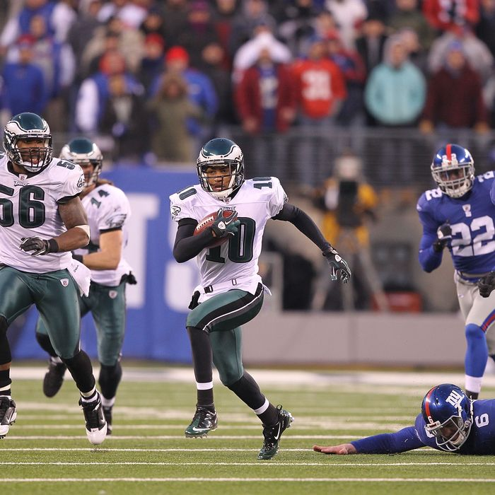 EAST RUTHERFORD, NJ - DECEMBER 19: DeSean Jackson #10 of the Philadelphia Eagles eludes Matt Dodge #6 of the New York Giants and returns a punt for the winning touchdown as time runs out defeating the Giants 38-31 during their game on December 19, 2010 at The New Meadowlands Stadium in East Rutherford, New Jersey. (Photo by Al Bello/Getty Images) *** Local Caption *** DeSean Jackson; Matt Dodge