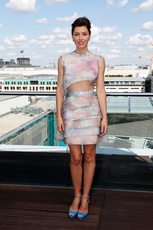 Jessica Biel attends the Berlin photocall for 'Total Recall' on the rooftop of the China Club Berlin at hotel Adlon on August 13, 2012 in Berlin, Germany.