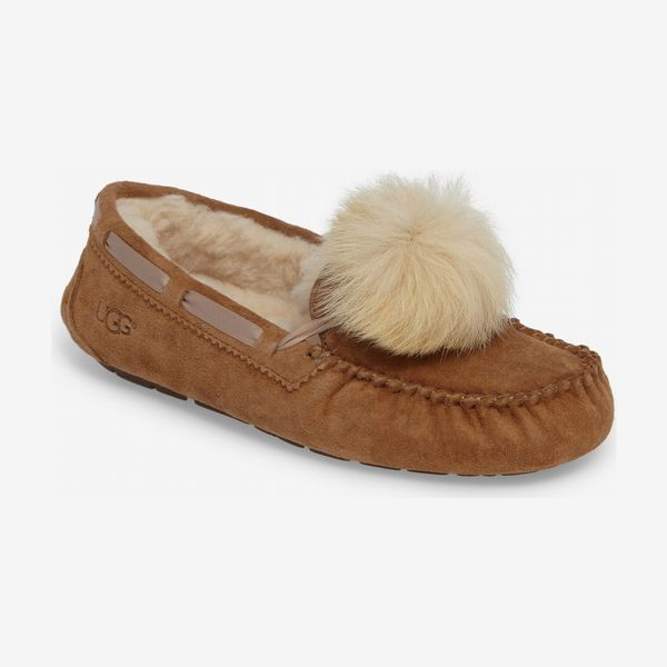 ugg dakota water resistant shearling pom slipper - strategist nordstrom sale 2019