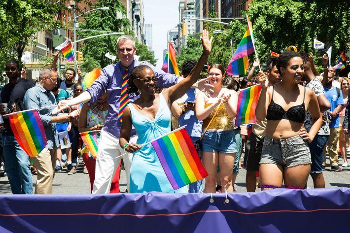 Lesbian dildo picitures free