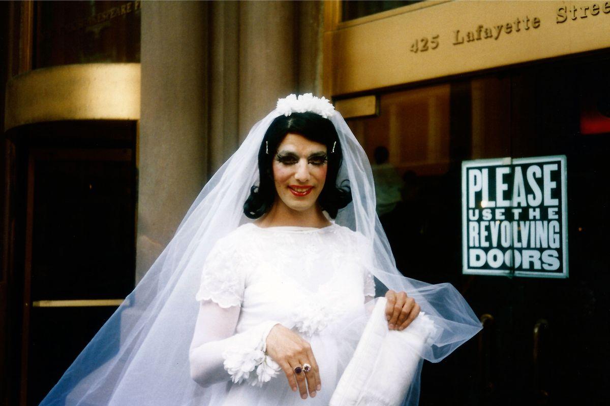 Drag queen for wedding