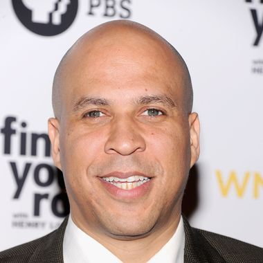 """Mayor Cory Booker attends the """"Finding Your Roots"""" New York premiere at Frederick P. Rose Hall, Jazz at Lincoln Center on March 19, 2012 in New York City."""