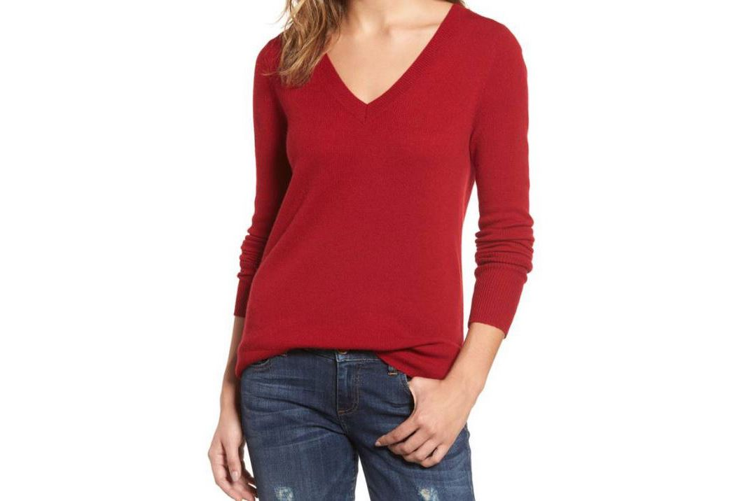 Halogen V-Neck Cashmere Sweater