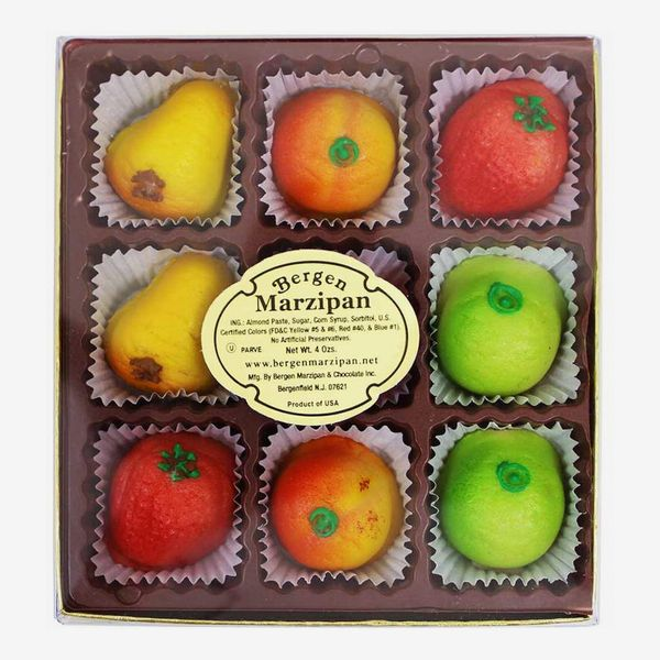 Bergen Marzipan Assorted Marzipan Fruit, 9 Pieces