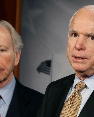 U.S. Sen. John McCain (R-AZ) (R).