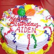 Meet the Restaurateur Who Cake-Shames His Customers on Instagram
