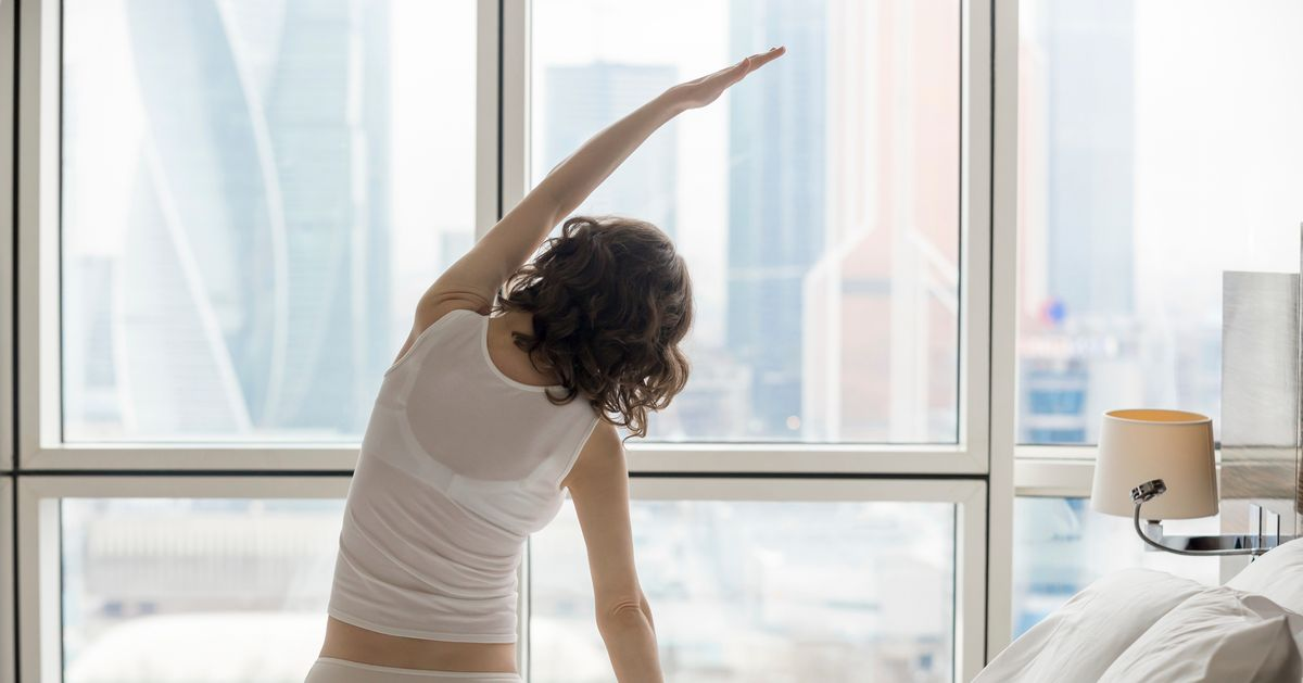 This App Lets You Wake Up to Refreshing Yoga Routines
