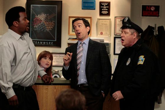 "THE OFFICE -- ""Jury Duty"" Episode 813 -- Pictured: (l-r) Craig Robinson as Darryl Philbin, Ellie Kemper as Kelly Erin Hannon, Ed Helms as Andy Bernard, Michael ""Tuba"" Henderson as policeman -- Photo by: Chris Haston/NBC"